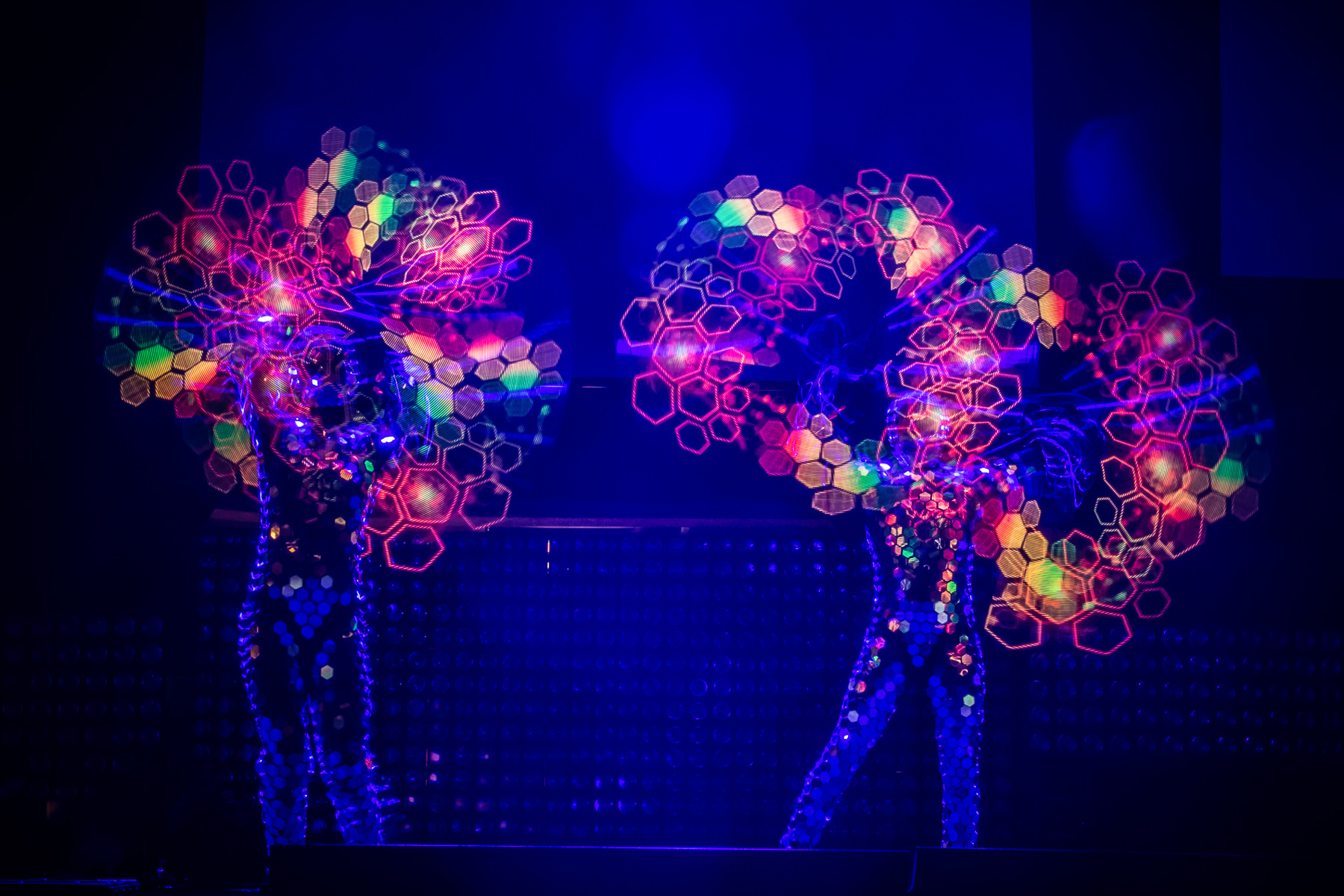 Mirror Man LED show 2 - Julia Reinhart.jpg