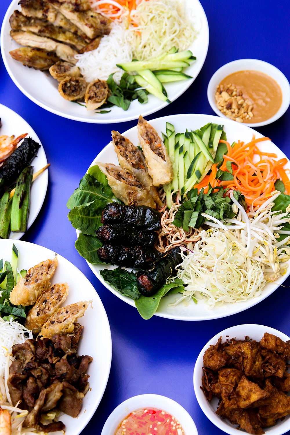 NAMì INTRODUCES NEW VERMICELLI-FOCUSED FOOD CART TO the WEST END - July 10, 2019NaMì welcomes a new member to its food cart family when the grab-and-go Vietnamese-cuisine favourite introduces a new 'NaMì 2.0' cart featuring vermicelli bowls to the corner of Burrard and Davie Streets in the heart of Vancouver's West End beginning Wednesday, July 17.The latest project for foodie and entrepreneur Kevin Thach, who got his first-hand knowledge of the industry at his parents' award-winning Pho Thai Hoa 1 Vietnamese restaurant in Vancouver, NaMì 2.0 follows in the footsteps of the first 'NaMì OG' food cart that made its debut in April and offers fresh-made báhn mì baguette sandwiches.To celebrate the launch, the first 50 customers to greet NaMì 2.0 at its new home during its inaugural service starting at 11 a.m. on July 17 will receive a free vermicelli bowl. The cart will also feature a $7 vermicelli-bowl special throughout the first week of service, July 17 to 24.