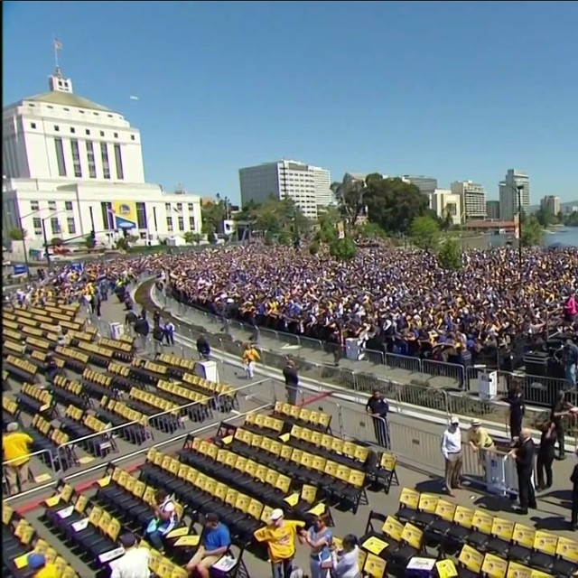 Victory Parade! Congratulations to the @warriors - The Bay loves championships! #bayarea #oakland #SF #parade #champions #notimeforlosers 💛💙💛💙💛💙