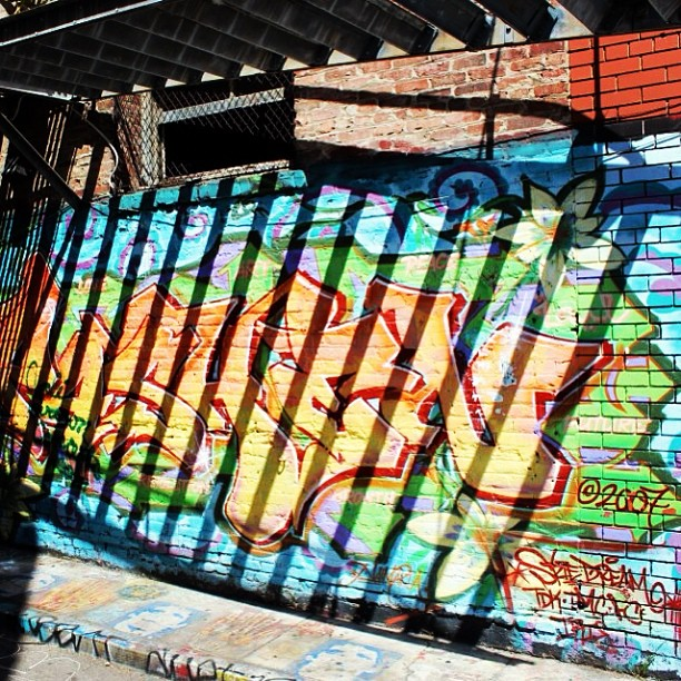 One of my fave shots from the weekend! #SF #lightsandshadows #streetart #graffiti #photography