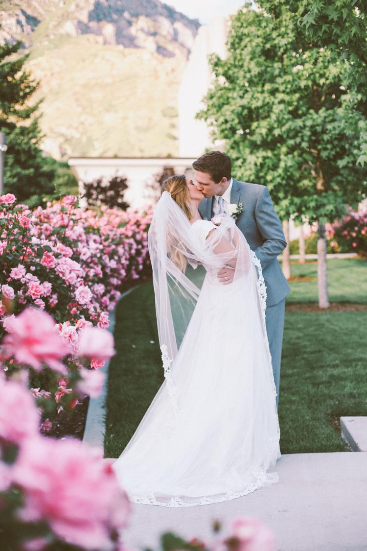 Alyssa and Nate Temple (c)evelyneslavaphotography 8016713080 (42).jpg