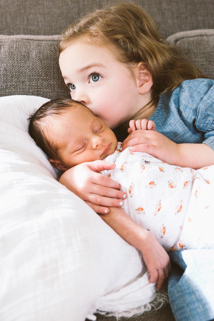 newborn family pictures 2018 (c)evelyneslavaphotography8016713080 (11).jpg