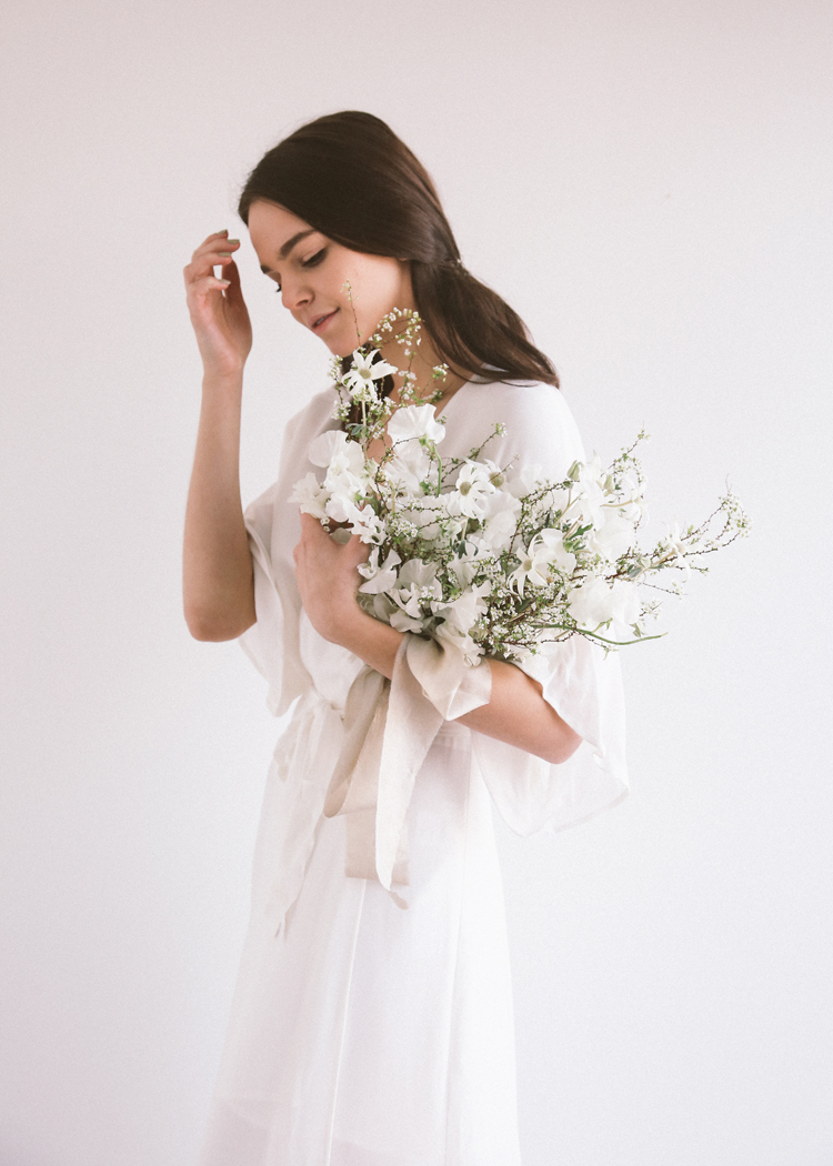 white bouquet soil and stem classes (c)evelyneslavaphotography2019 (8).jpg