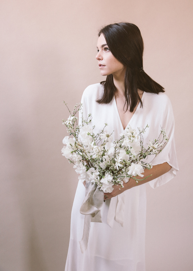 white bouquet soil and stem classes (c)evelyneslavaphotography2019 (23).jpg