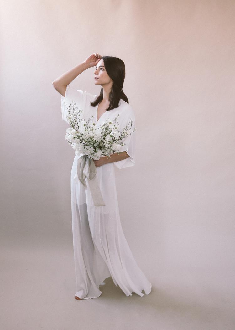 white bouquet soil and stem classes (c)evelyneslavaphotography2019 (24).jpg