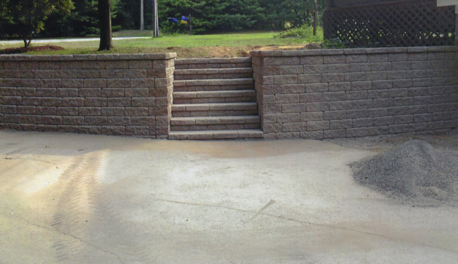 featured project:  this retaining wall was built for a residential customer in andover, ct in 2010, and features blocks from versa-loc.