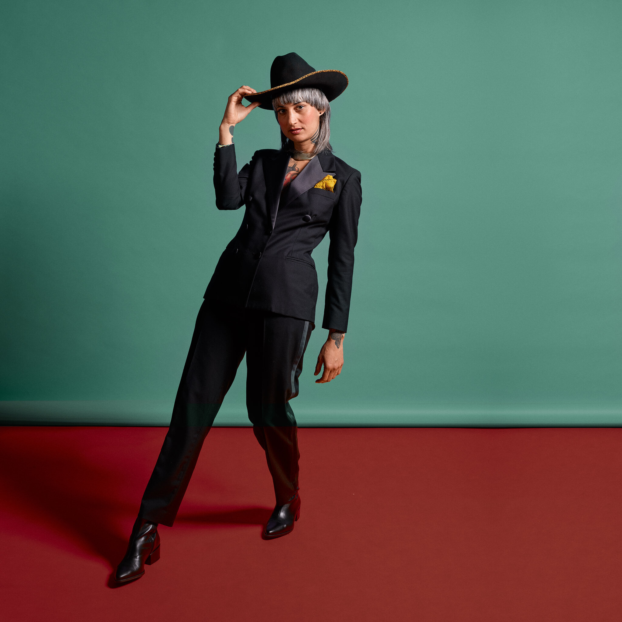 Luz EP pic official Cowboy hat and suit.jpg