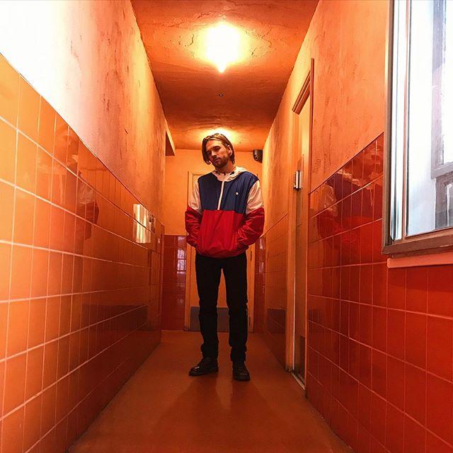 Birthday boy 🌆 🔸 🔸 🔸  #London #Mojito #Orange #Birthday #Corridor #Iphonography #ModelShot 📸 @sabrinagunston