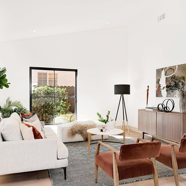 honored to be a part of this beautiful project, Atwater game changer ⚡️ #nichehomestyling #nichehome #homestaging #interiordesign #atwater #losangeles #losangelesrealestate