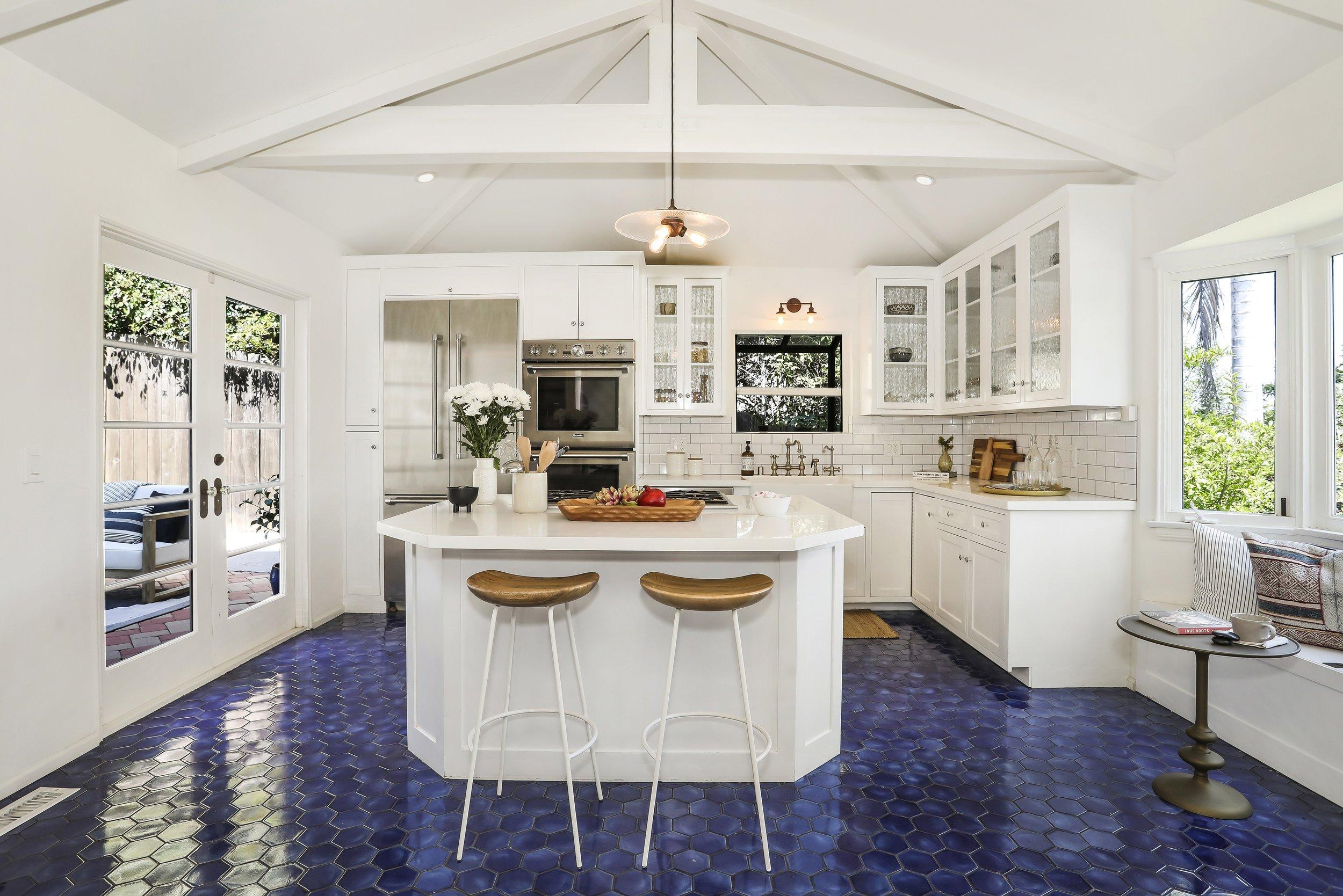 PEOPLE - Disney Star Bridgit Mendler Lists Los Angeles Lake-View Home for $2 MillionPeople - September 20, 2019