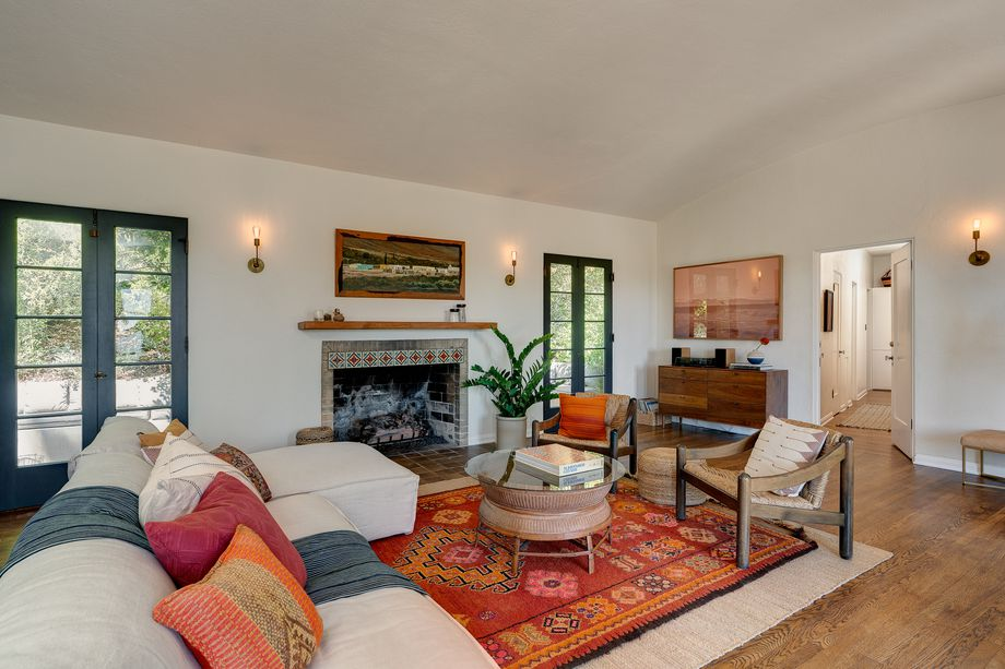 CURBED LA - Lovely 1920s home by Playboy Mansion architect asks $1.7M in Eagle RockCurbed LA - September 2018