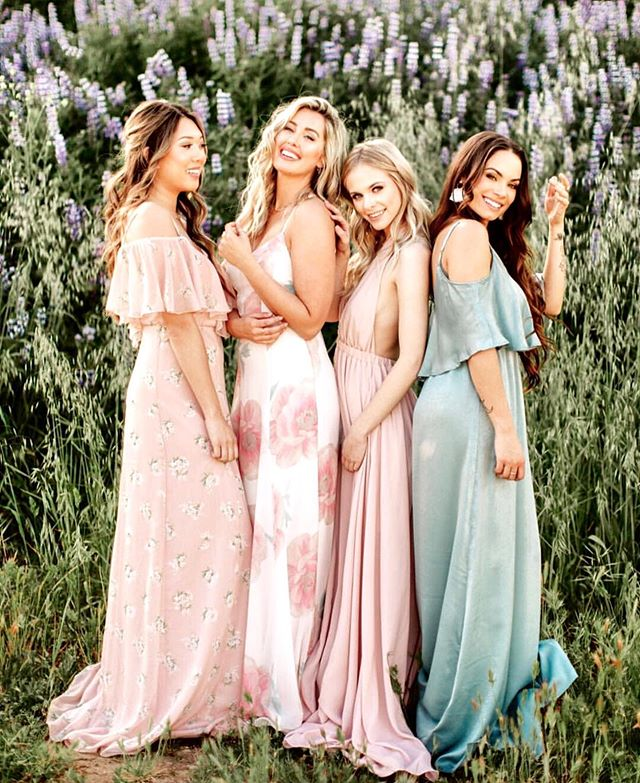 I love to put all my focus on the bride when she comes wedding dress shopping but I often get asked where their maids should buy dresses from and I love @showmeyourmumu bridesmaid dresses 💕 You can even purchase sample searches of the fabric so you can see the different colors in person.  If you are one of my brides and your girls still need their dresses check this site out • and I also love the mix matched prints 😍 Regram via @mumuweddings
