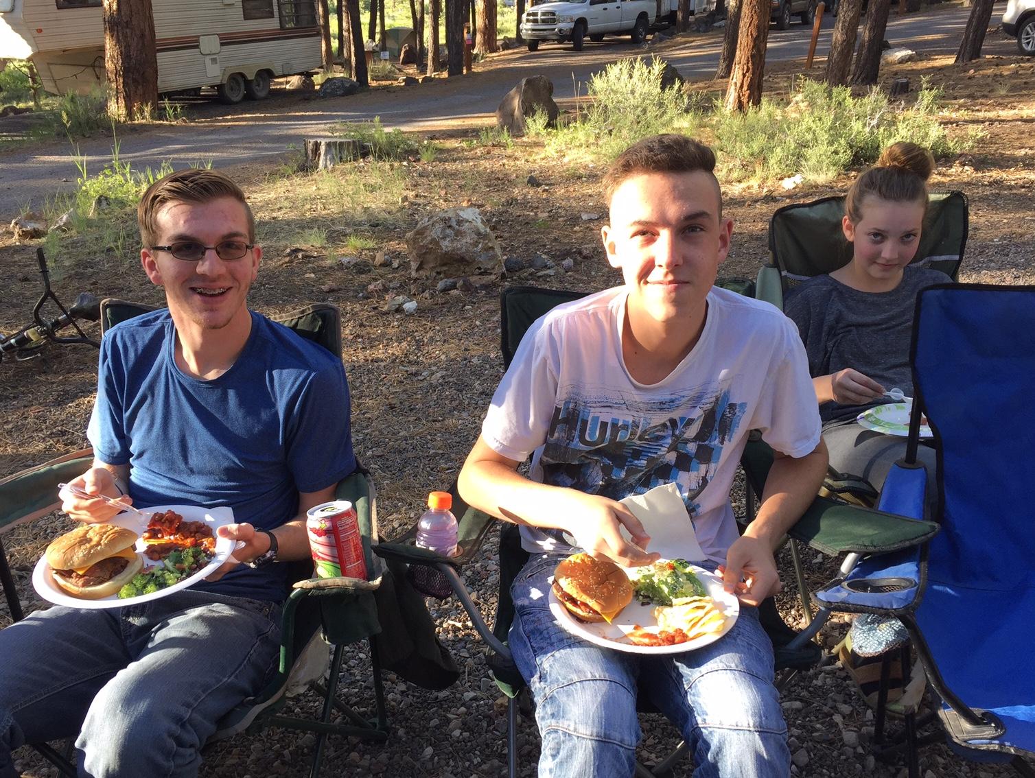 Teens eating.jpeg