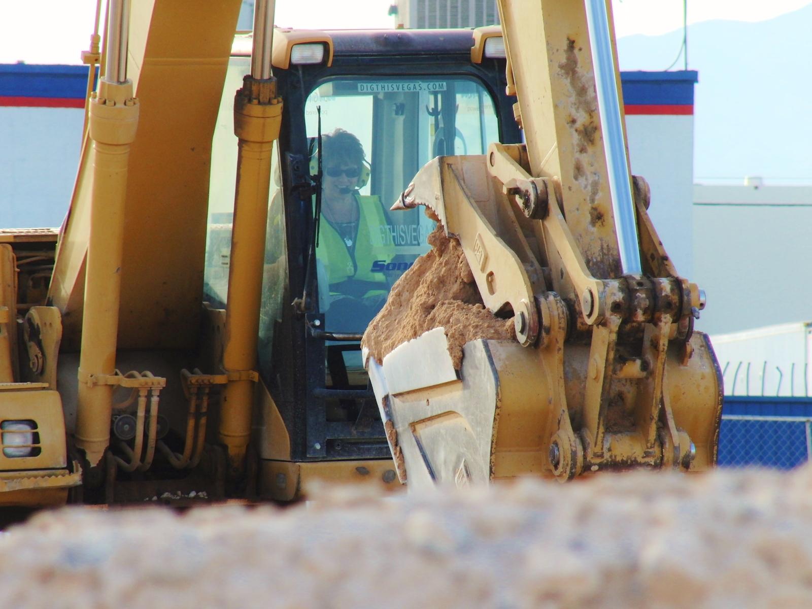 Connie digging.jpeg