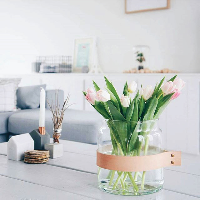 leather-vase.jpg