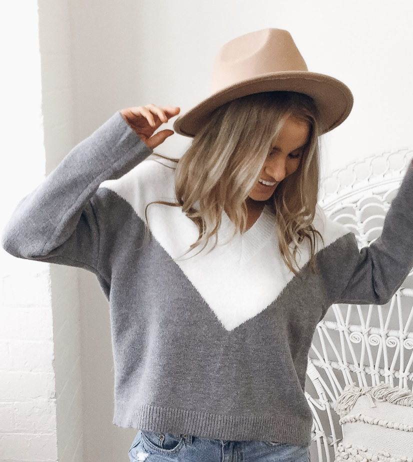 Cecile knit jumper from Esther, find it  here.
