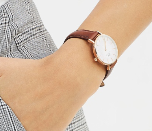 Daniel Wellington classic watch. Find it  here.  20% off for Mothers day and it's usually $200.
