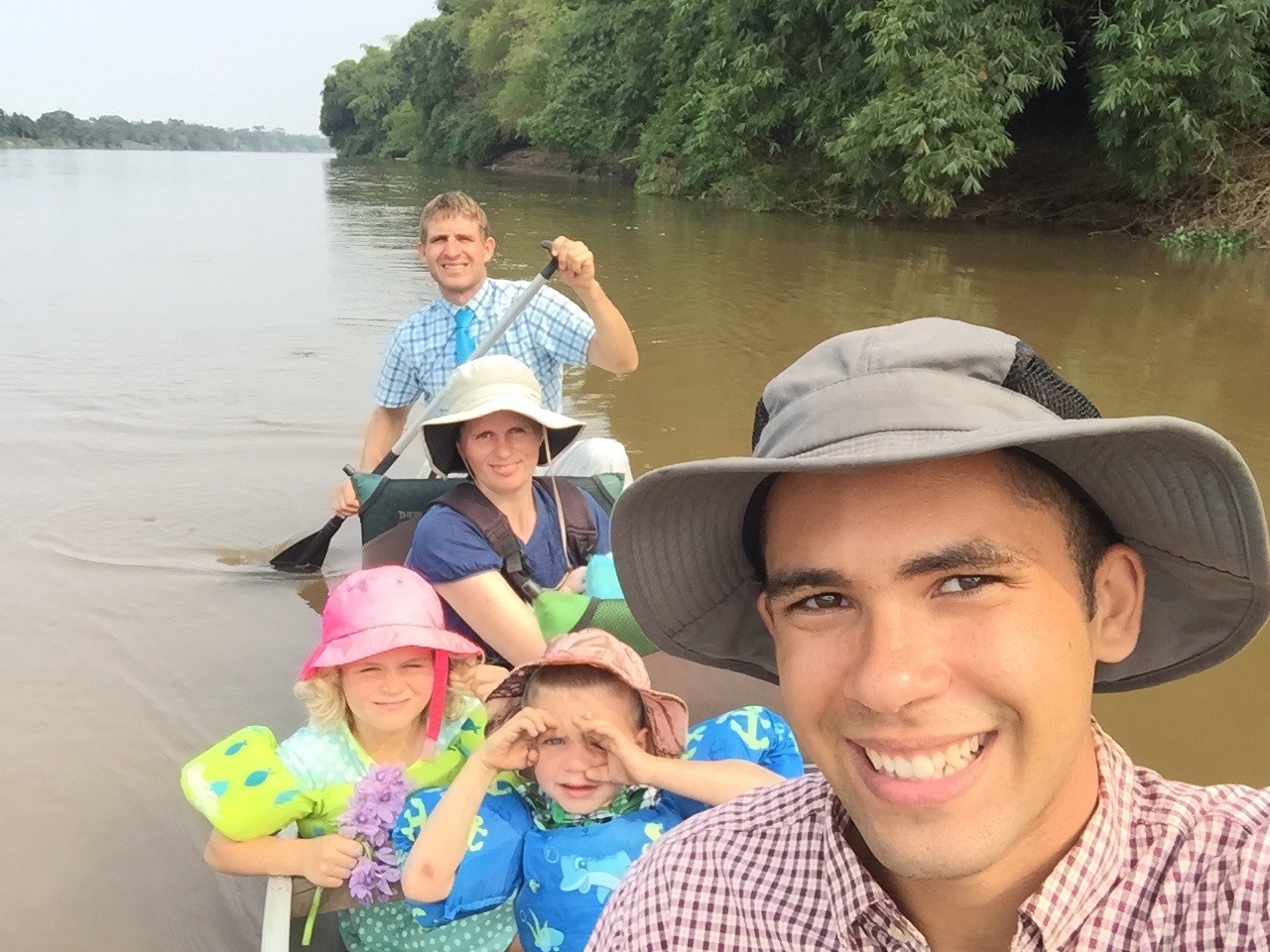 Canoeing to the island of Akoko