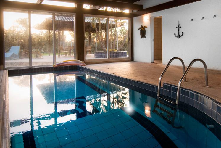 Hotel-Torres-da-Cachoeira-Florianopolis-por-Bruno-Sampaio-piscina-aquecida-1.jpg