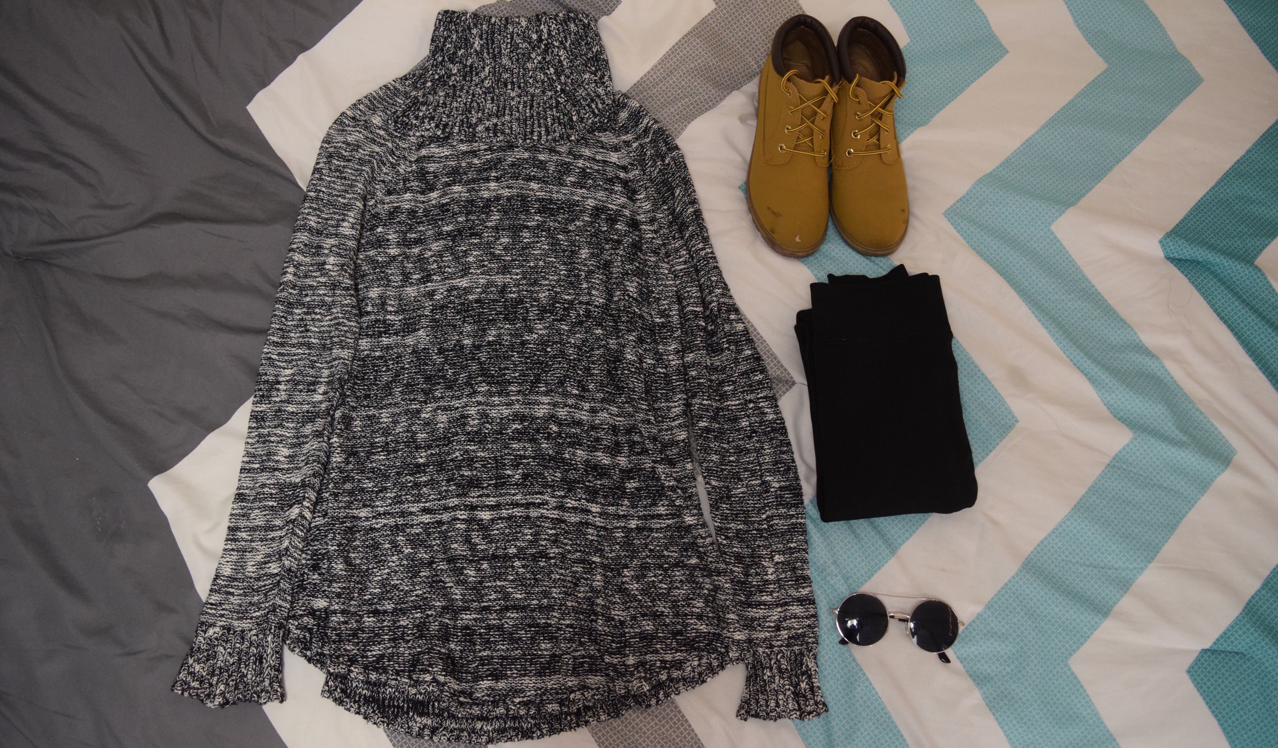 Sweater (no clue I'm sorry). Boots (no longer being sold at  Primark ).  Sunglasses  (similar).  Leggings .