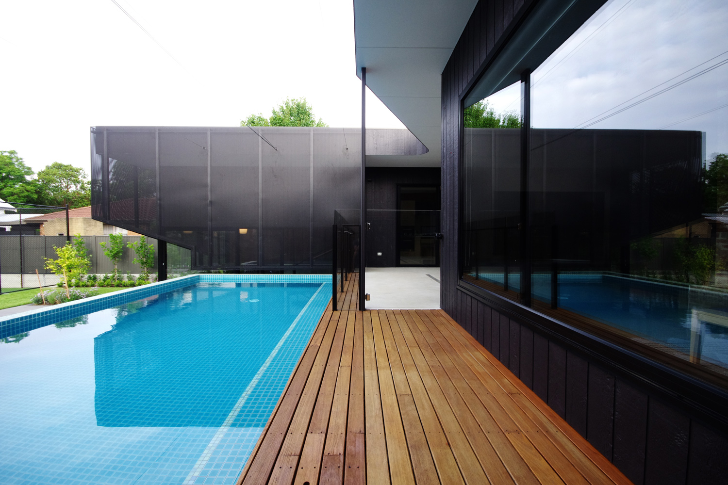 Khab Architects house extension Uney, Adelaide    #brick # pool #veilandmortar #khabarchitects #steel #hidden #secret #blendedhome #adelaidehouse #awardwinningarchitecture  #architect #architecturelovers #architect #architecturephotography #architectureporn #architects #architectural #architecturelover #architecturestudent #architecturalphotography #architecturedesign #architectanddesign #architecturephoto #architecturaldesign #architectureschool #architecturaldigest #architecturesketch #architecturemodel #architectura #Architecte #architecturelife #architecturegram #architectureandpeople #architecturelove #architecturedaily #buildings #adlarchigram #courtyardhouse @adelaide_photographer #pressedtin #naturaltimber #dulux #duluxcolour #adelaide #khabarchitects #paintcolour #adelaidehouse #awardwinningarchitecture #bedroom #joinery