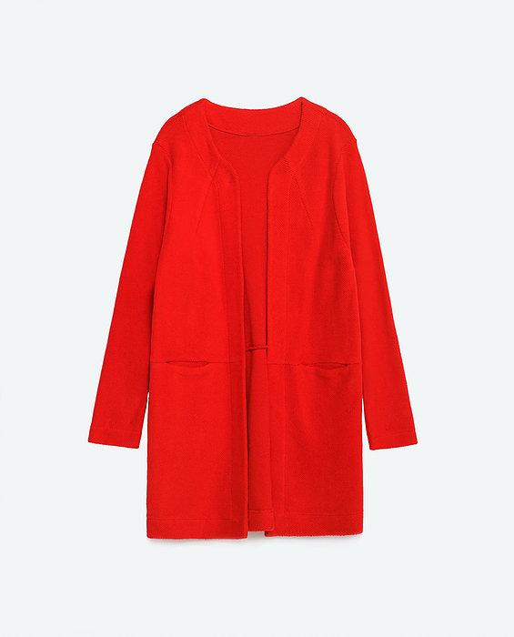 קלאסיקה. מעיל אדום.ZARA (צילום: יחצ חול)