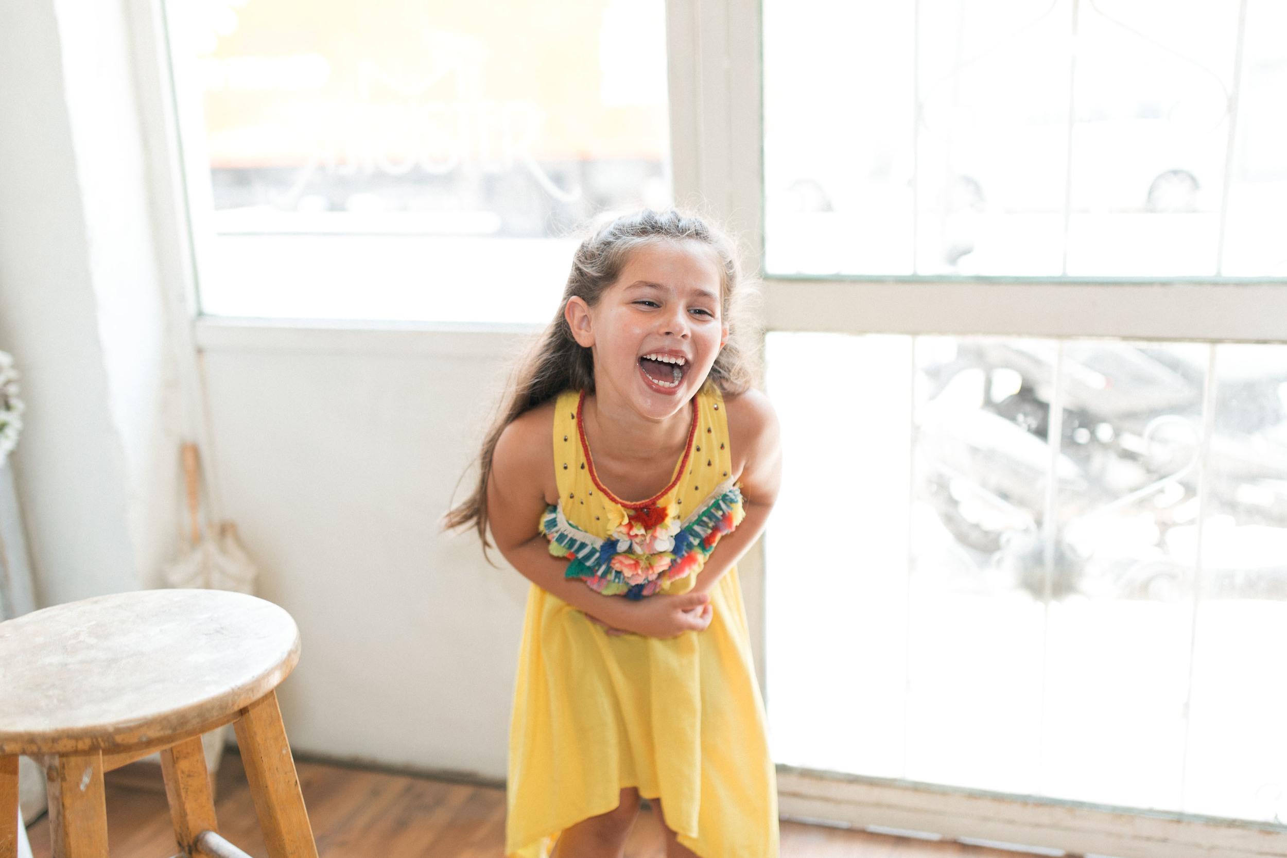 """""""לידת ביתה הראשונה של מיטל חודשים ספורים לאחר הקמת המותגSISTER M, היא שהובילה להקמת הסטודיו"""" נויה בת ה 6 (צילום ערן ודניאל אלסטר)"""