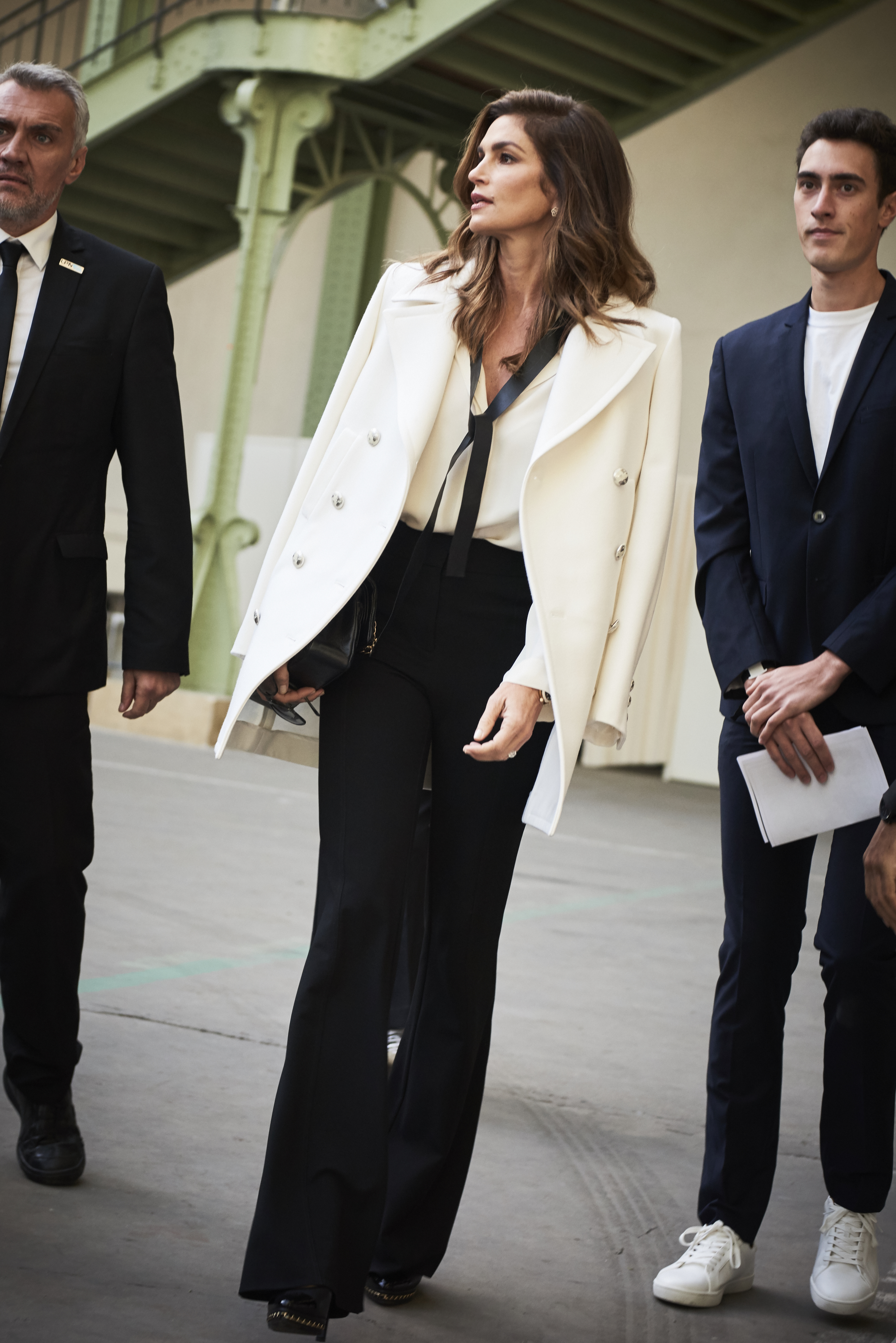 18_Cindy CRAWFORD_Spring-Summer 2018 Ready-to-Wear Collection.jpg