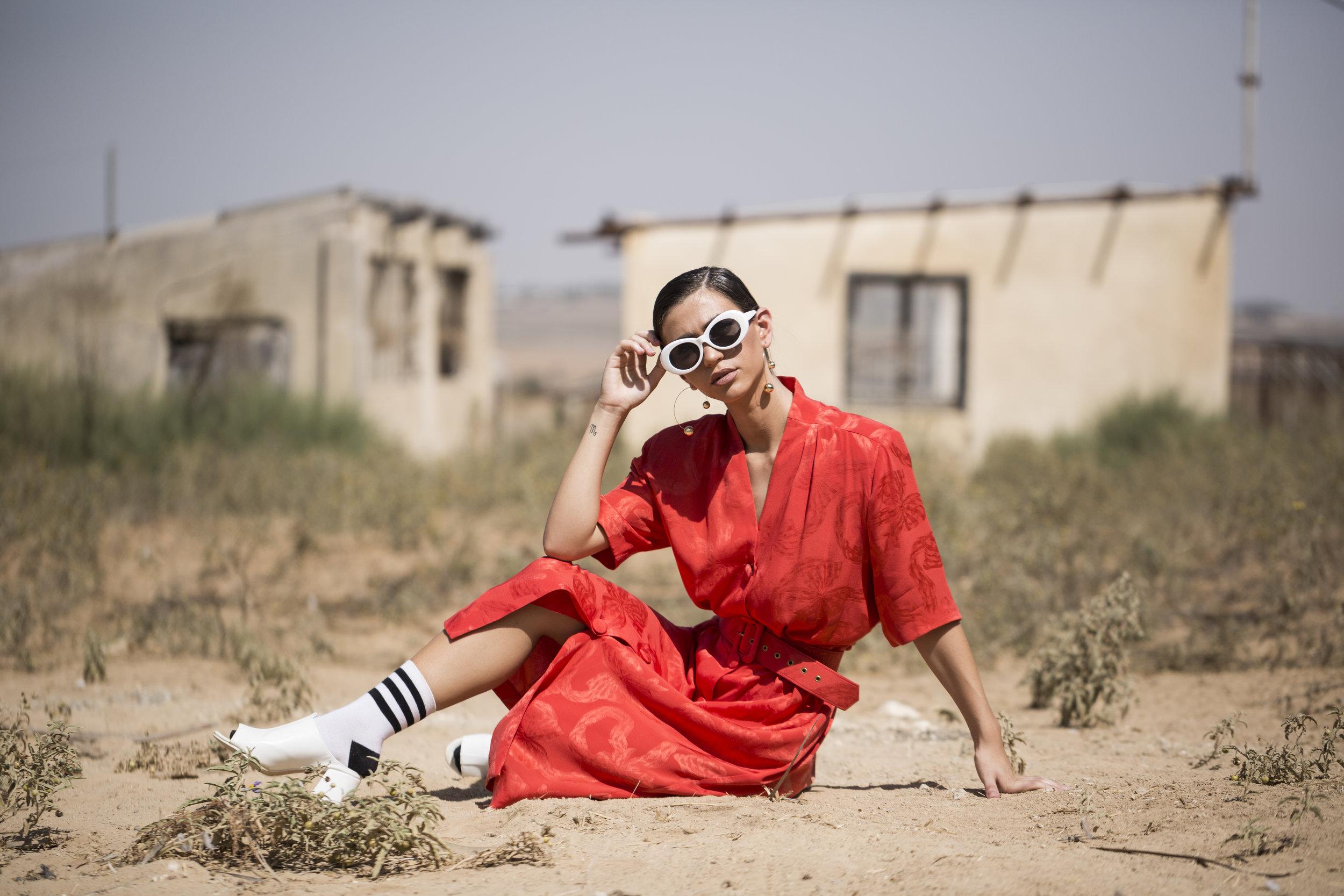 ״לשלב אופנה וצניעות יחד״ (הפקה וסטיילינג: אביה ביטון, צילום: הודיה טולדנו)
