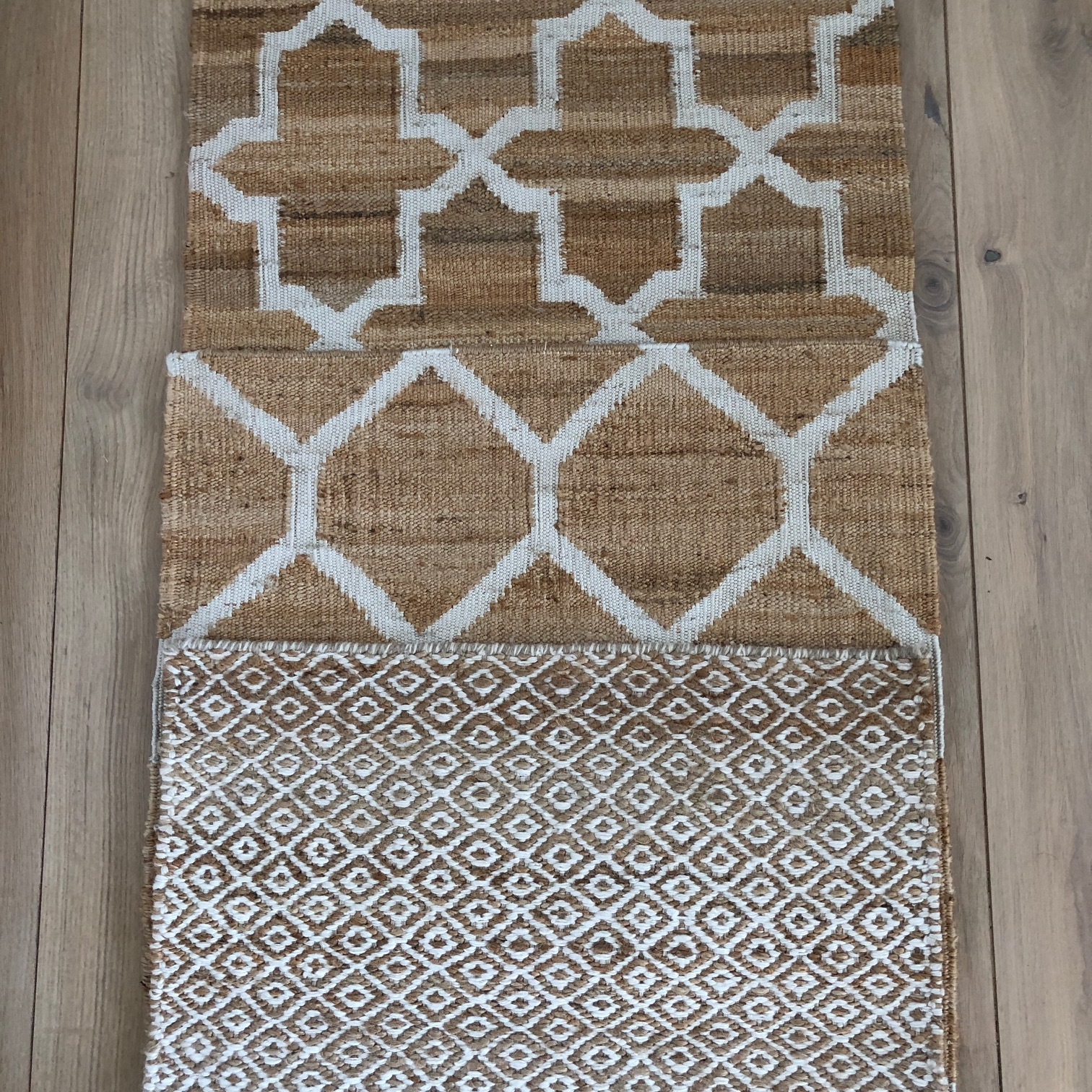 gable, honeycomb and small didamonds in jute.JPG