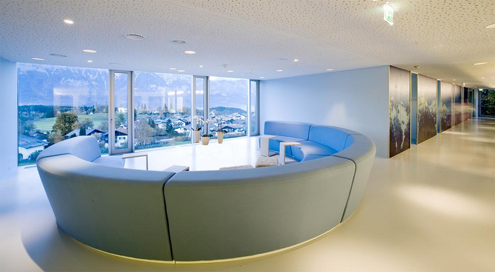 2_lounge.jpg