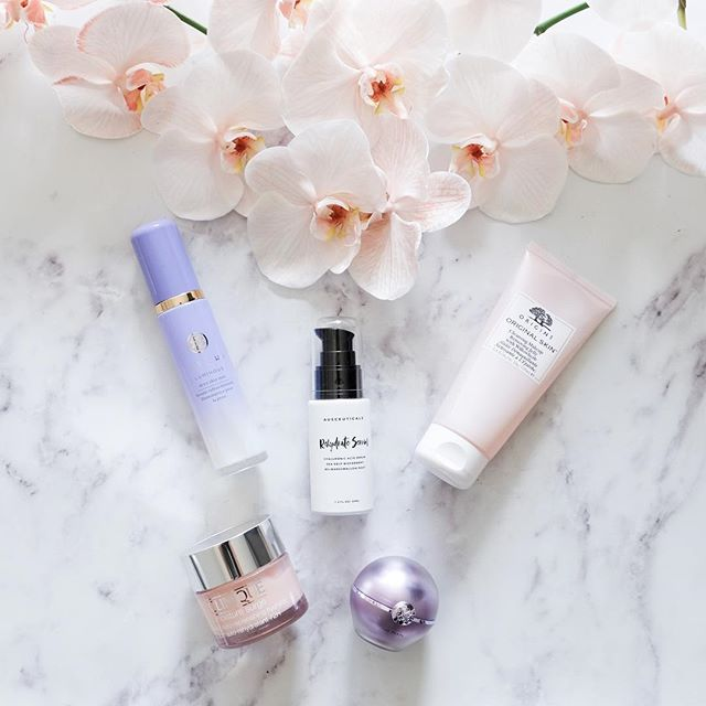 Peachy pinks and obsessed with these 😍 orchids... Cleanse with @origins Cleansing Jelly  Tone with @tatcha Dewy Skin Mist*  Treat with @ausceuticals Rehydrate Serum and @tatcha The Pearl Illuminating Eye Cream  Moisturise with @clinique_oz Moisture Surge*  #originstribe #originsskincare #origins #tatcha #tatchabeauty #tatchaskincare #ausceuticals #australianbeauty #dewyskinmist #clinique #cliniqueskincare #cliniquemoisturesurge #cleanbeauty #naturalbeauty #skincare #skincarejunkie #skincareaddict #skincareobsessed #skincarediary #skincareroutine #skincareritual #hydrateyourskin #orchids #phalaenopsis #peachy #freshflowers #freshblooms