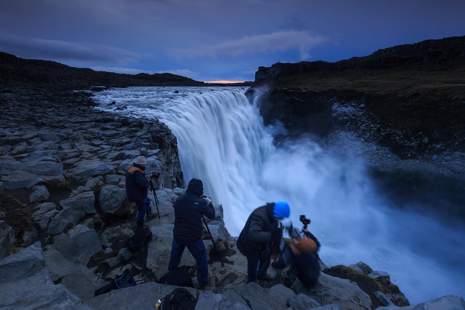 In groep aan de Dettifoss, de grootste waterval van Europa!