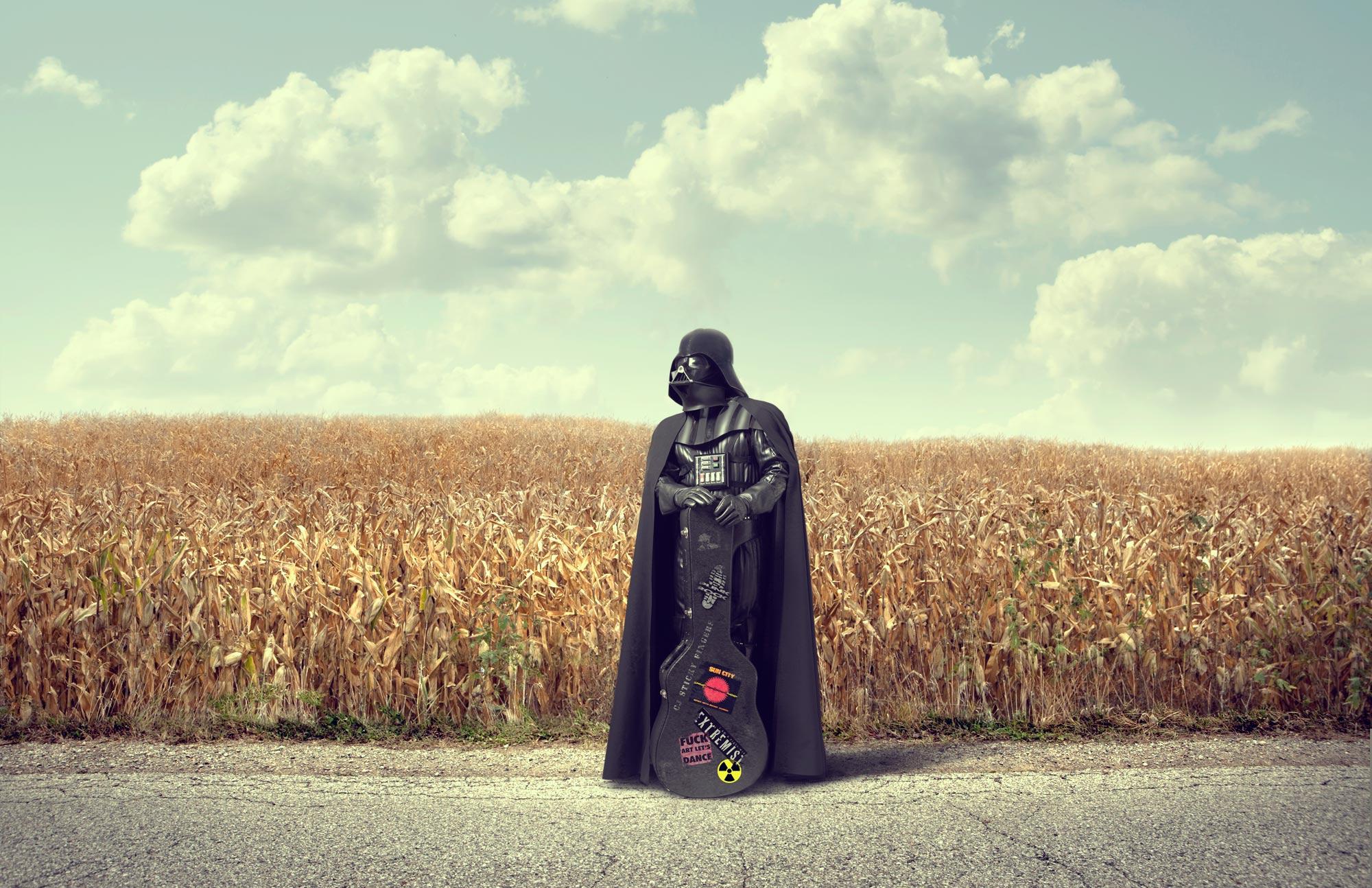 Chris Clor alien in wheat field