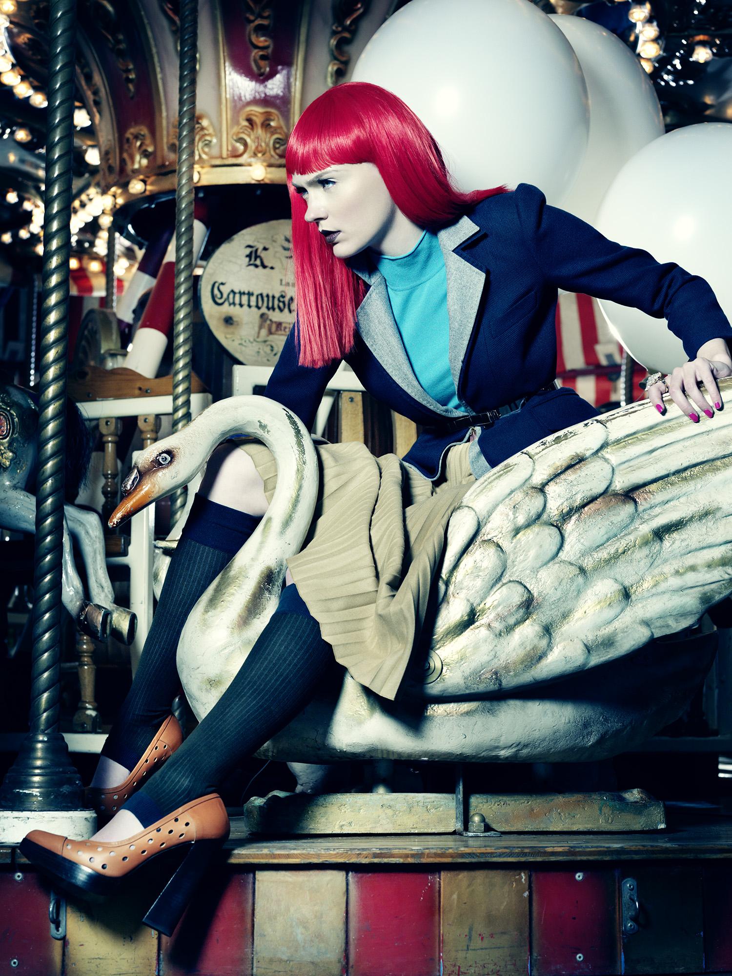 Anatol de Cap Rouge - merrygoround - pink hair - swan