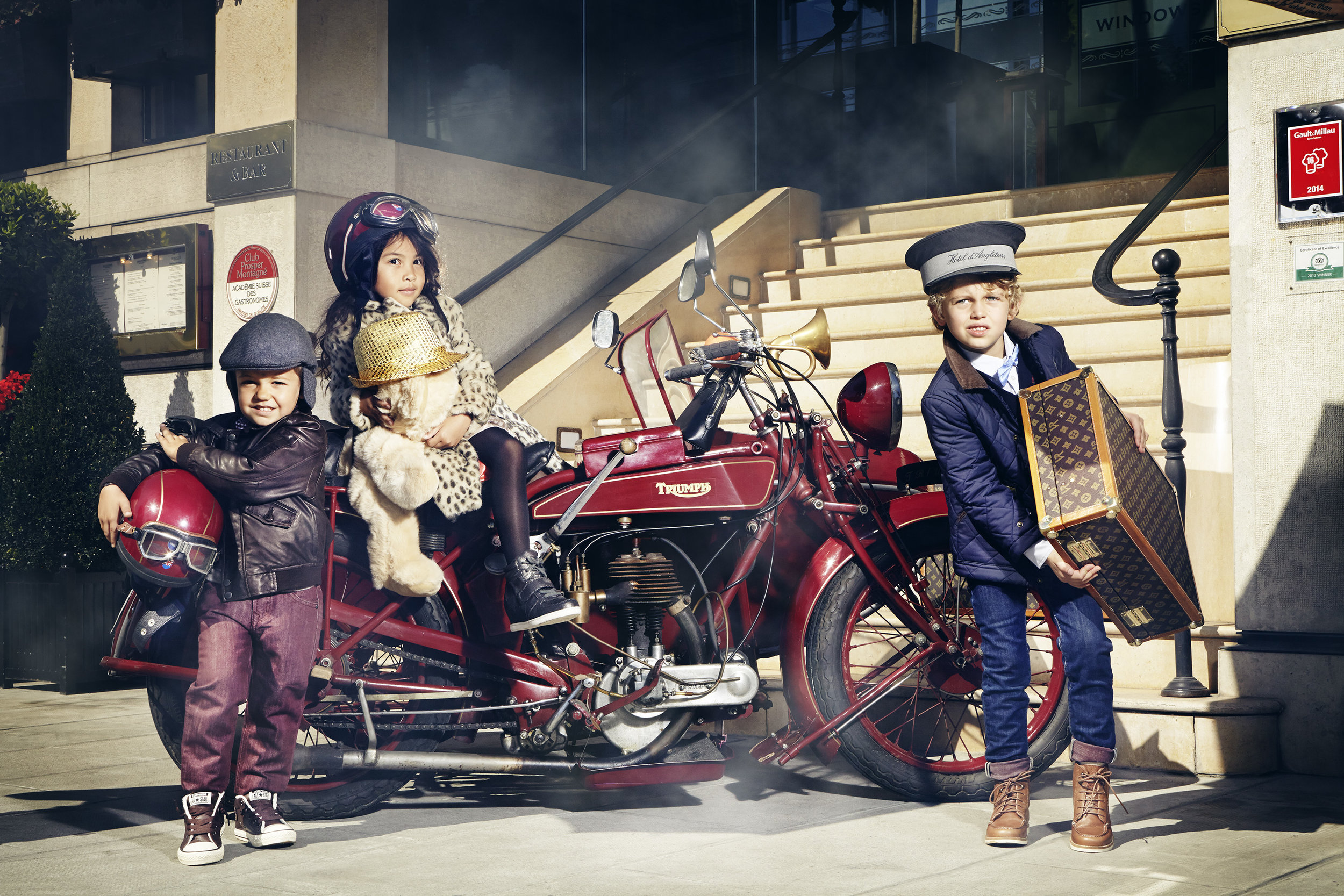 Ilve Little - kides on motorbike with luggage