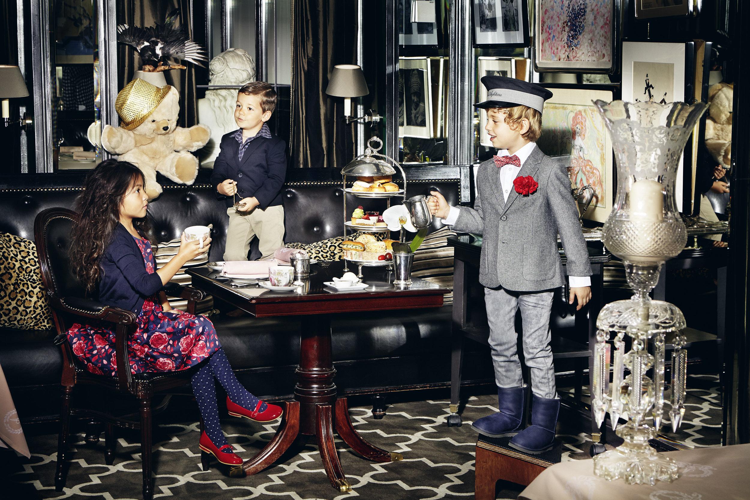 Ilve Little kids having tea