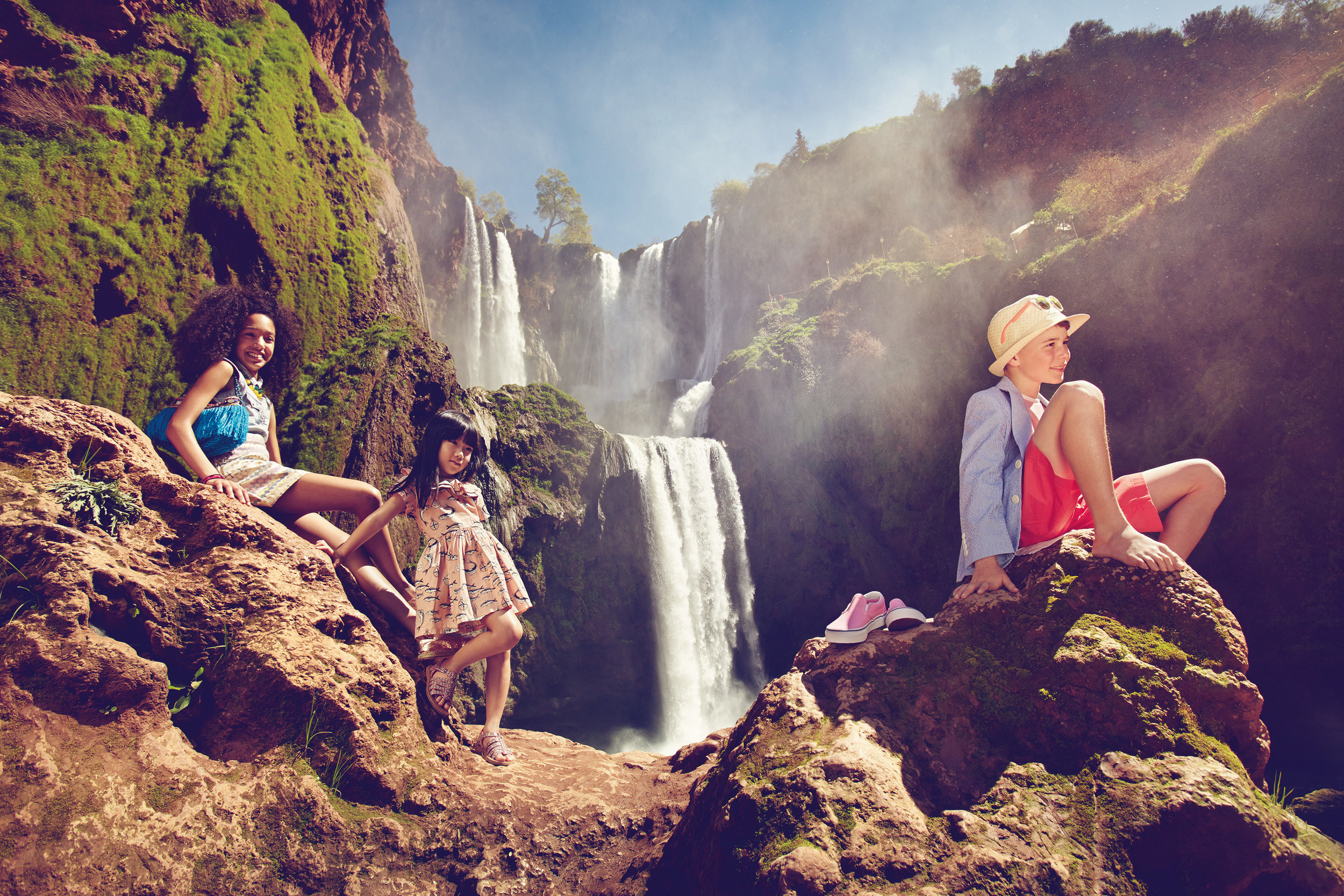 Ilve Little - kids by waterfall