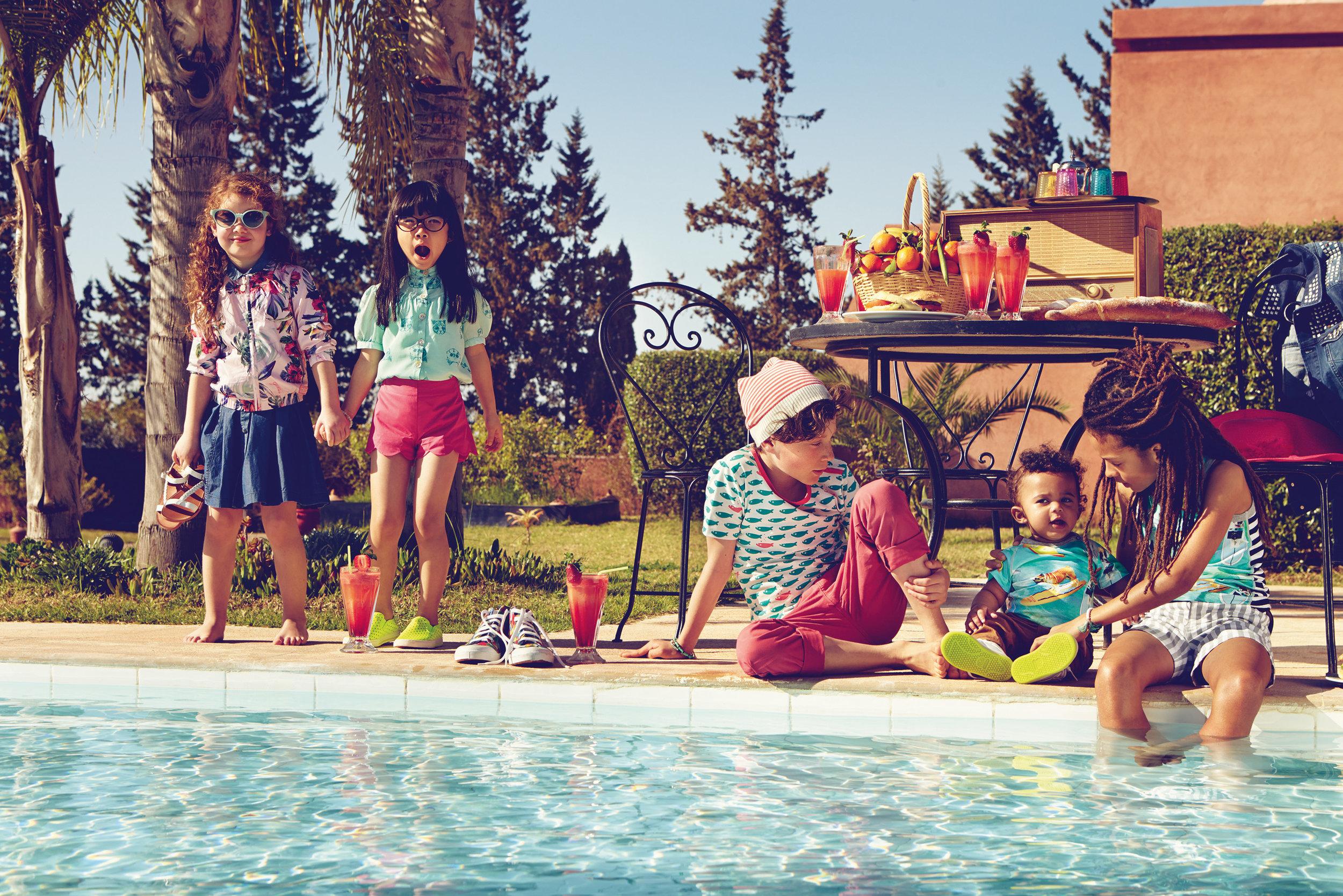 Ilve Little kids by pool