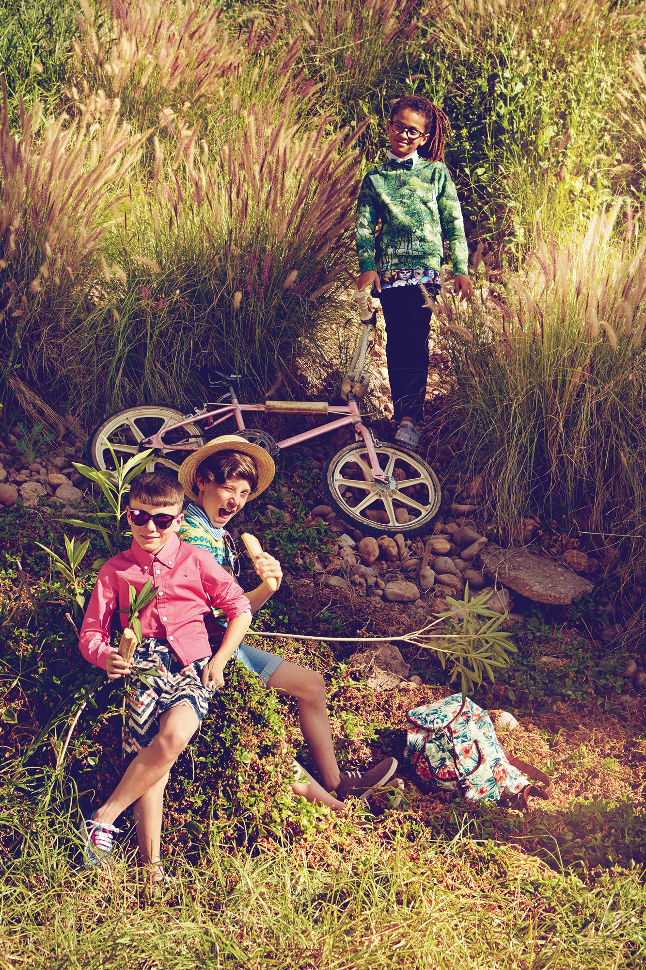 Ilve Little kids with bike