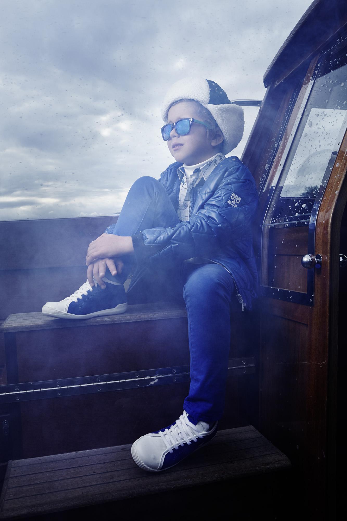 Ilve Little boy on deck