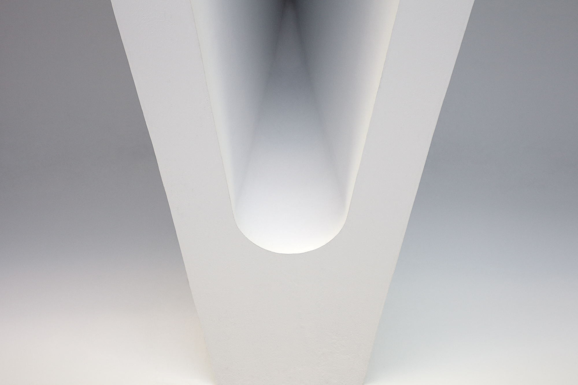 Andy Mackie - sculpture white