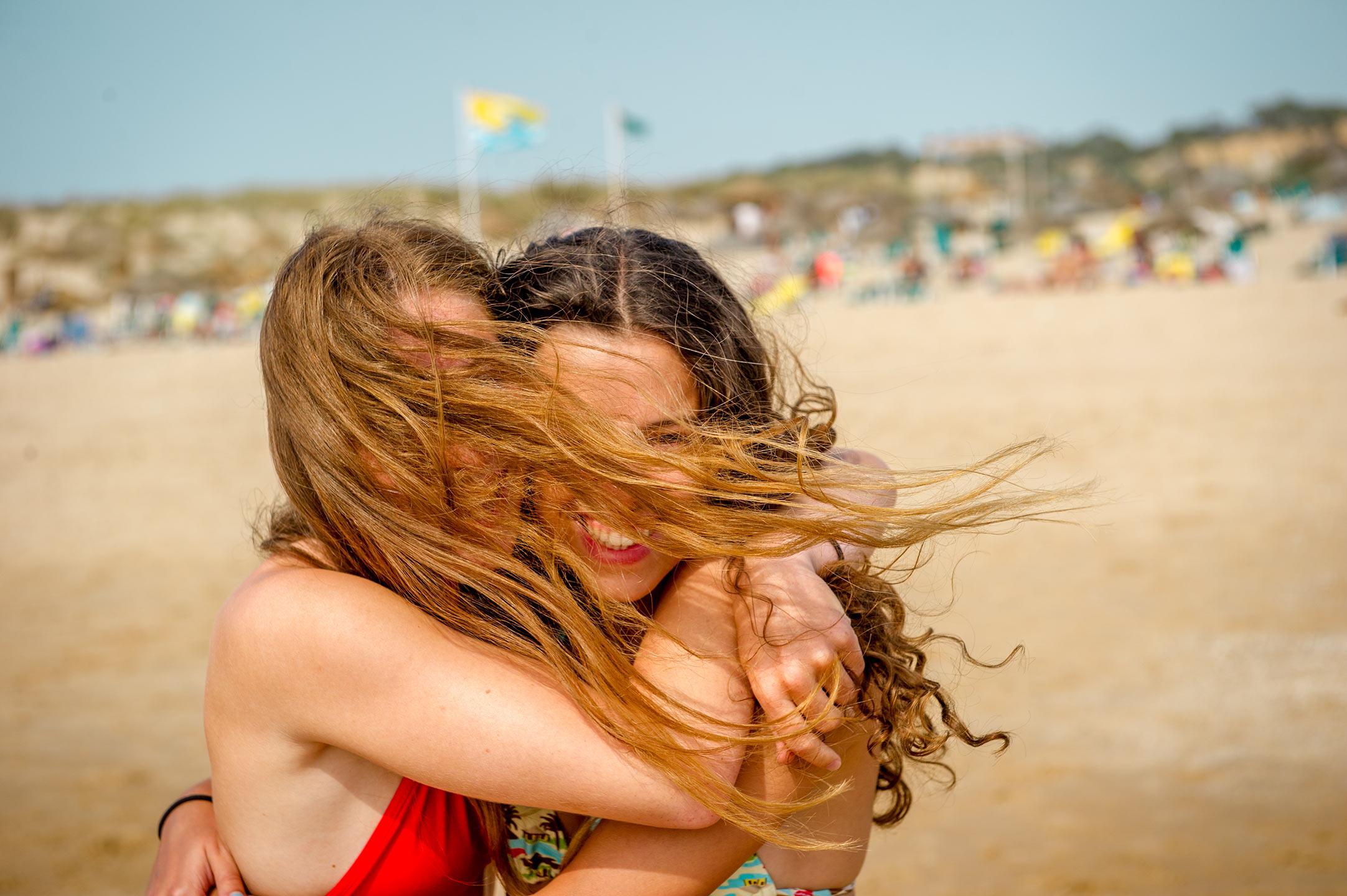 Dean NOrthcott - girls on beach