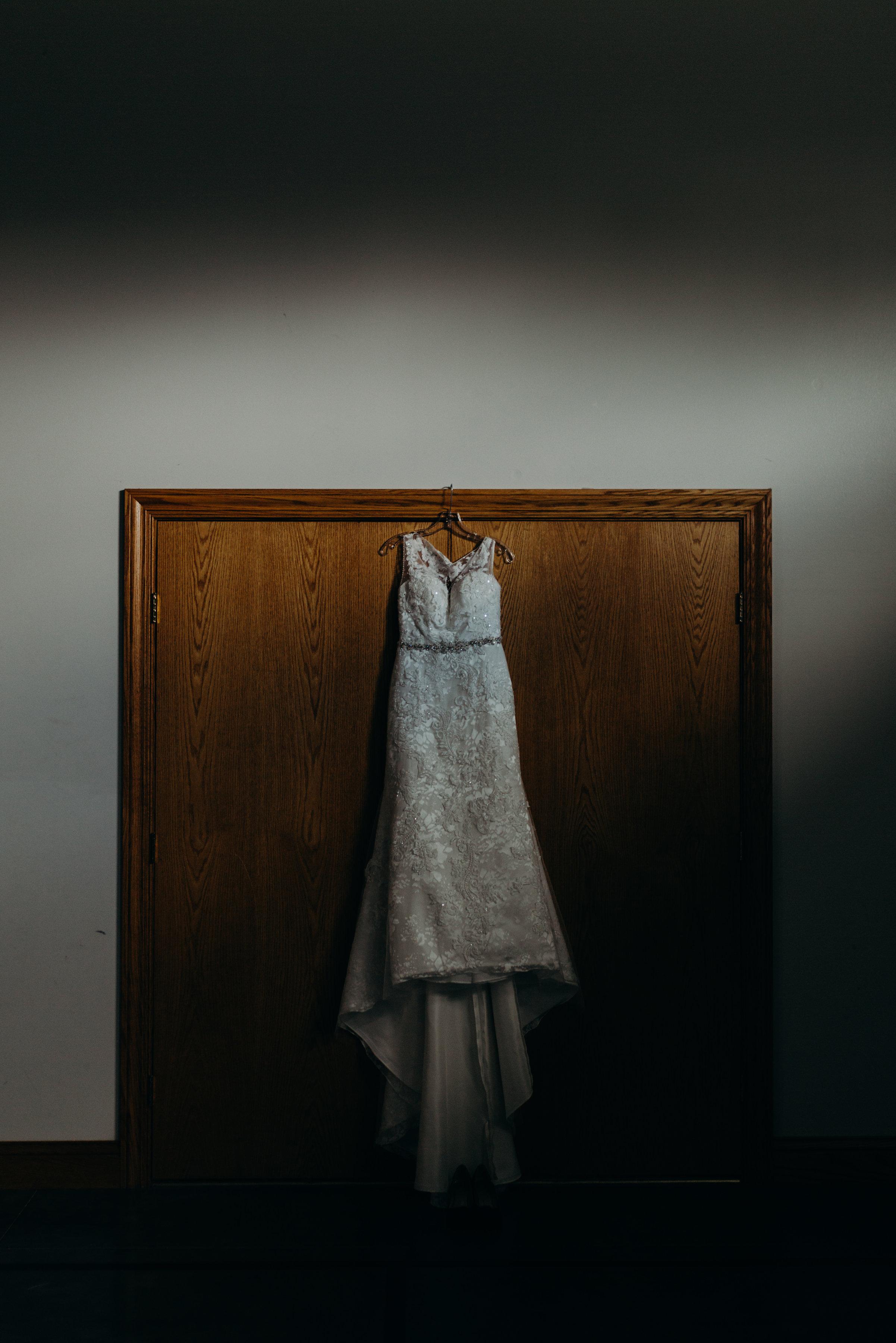 INTIMATE CRESTON, OHIO WEDDING | JORDAN + CANDACE 8