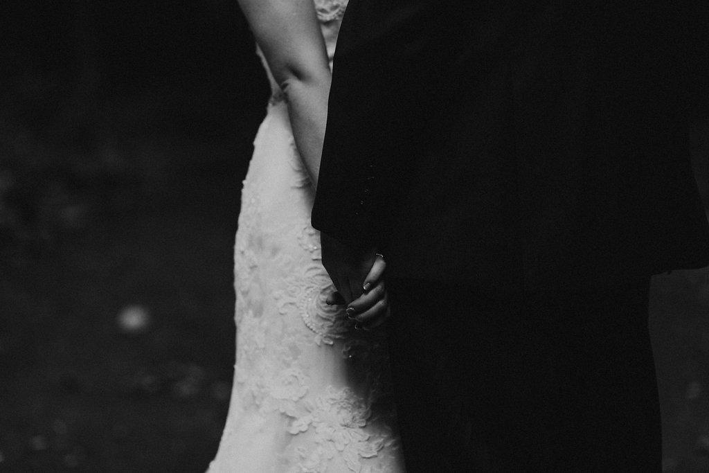INTIMATE CRESTON, OHIO WEDDING | JORDAN + CANDACE 78