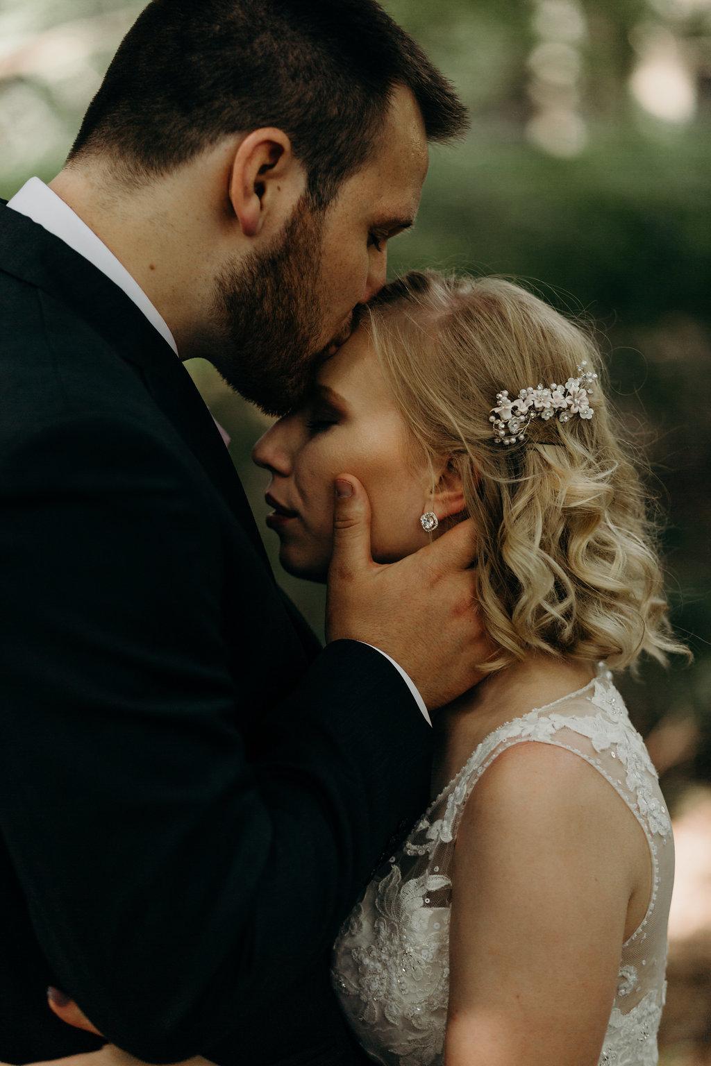 INTIMATE CRESTON, OHIO WEDDING | JORDAN + CANDACE 140