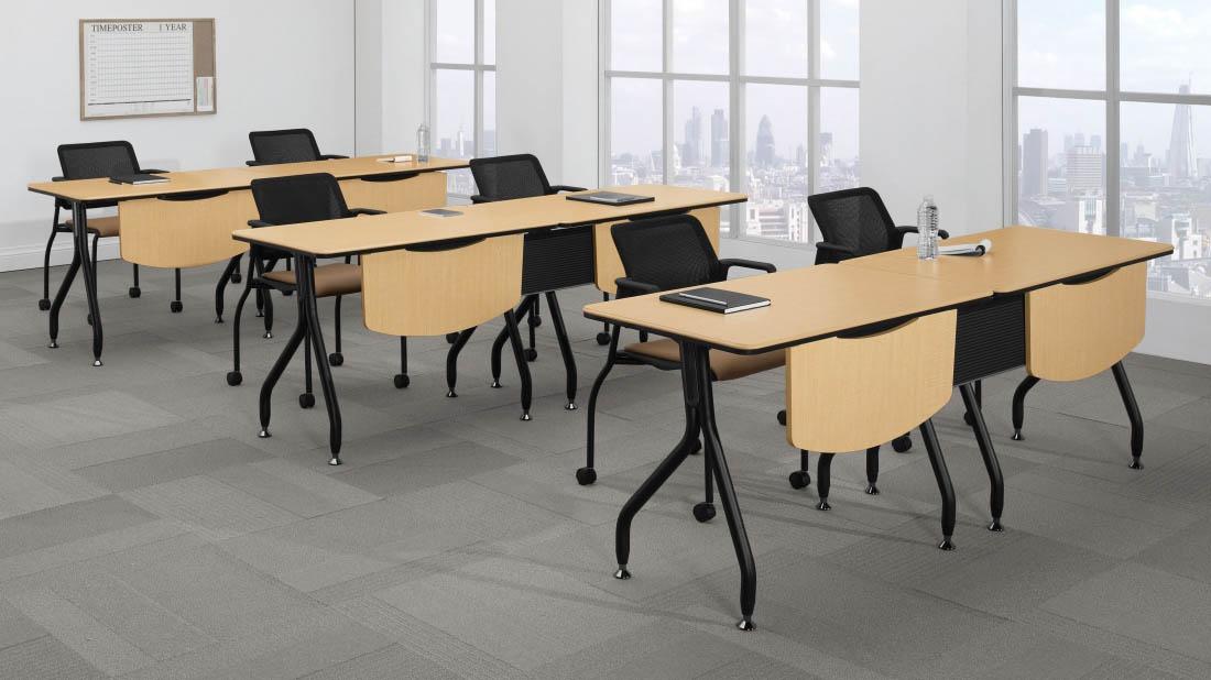 Table-Bungee Global 2.jpg