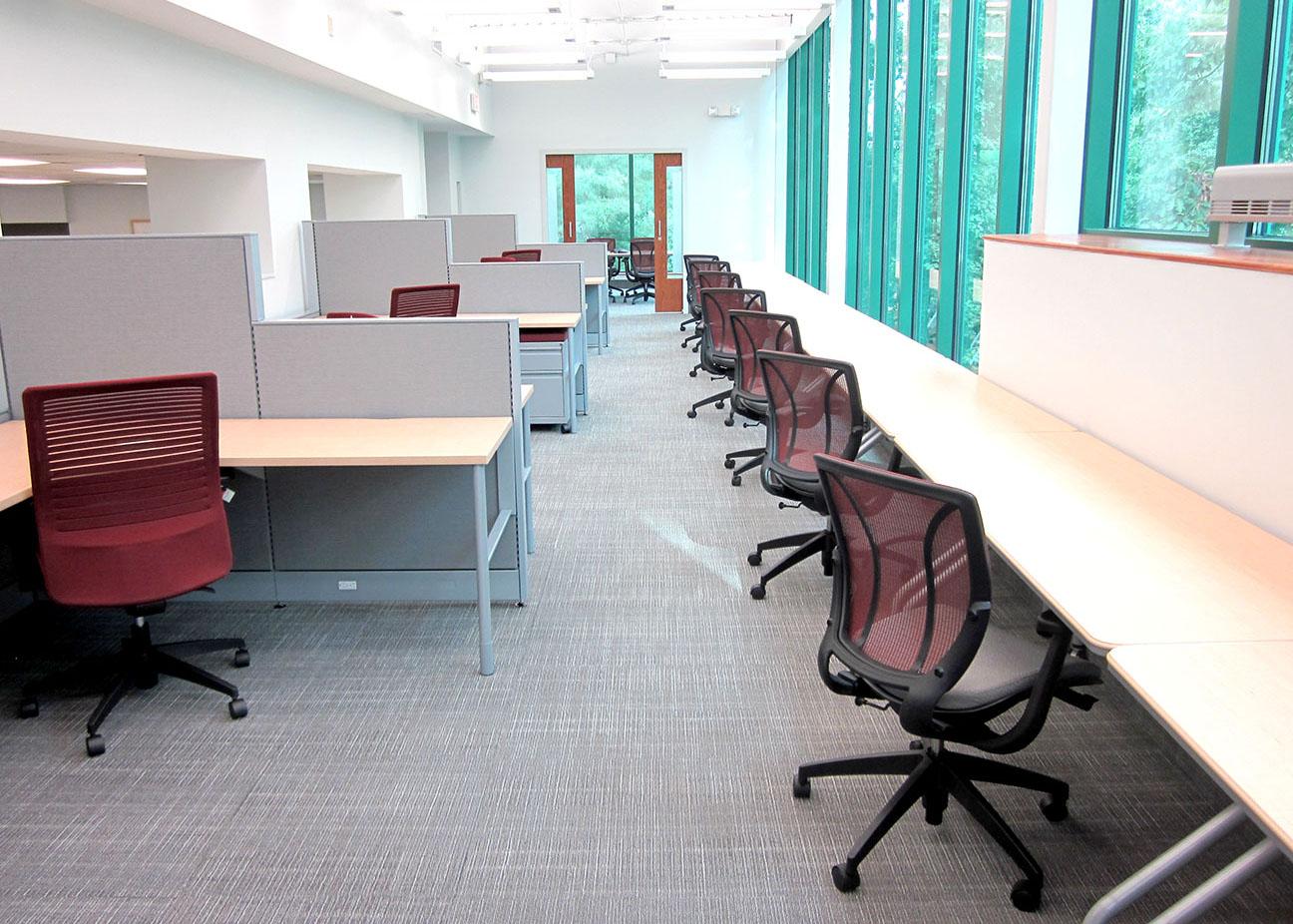AU-Workstations 1.JPG