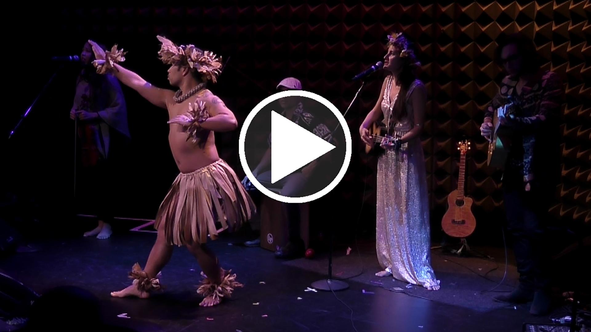Taimane with her quartet & Polynesian dancer