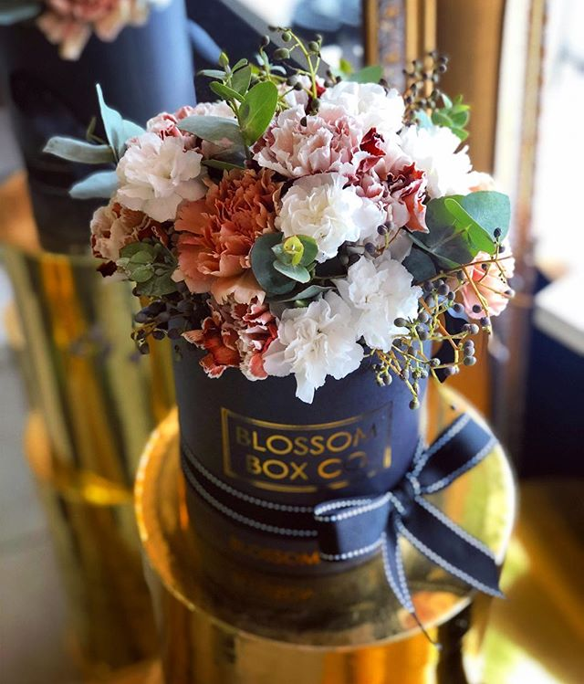 Autum vibes 🍁🍂🌿🍃 #flowerbox #adelaideflorist #blossomboxcoadl